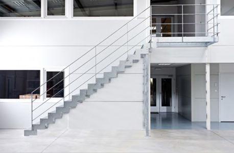 Kovové venkovní schodiště Elegant